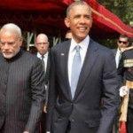 Foto: Premierul Indiei și-a inscripționat numele de sute de ori pe costum!