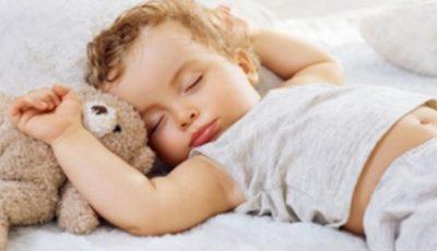 Alimentul minune care ajută copilul să adoarmă mai repede