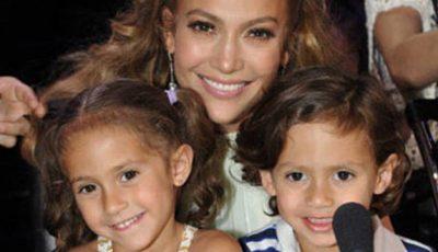Gemenii lui Jennifer Lopez împlinesc 7 ani! Iată cum arată!
