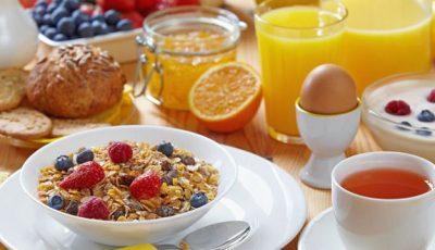 Trei reguli de urmat la micul dejun dacă vrei să slăbești