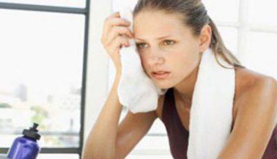 Cum să-ţi îngrijeşti părul când faci sport