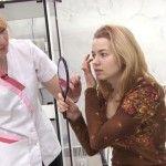 Foto: O tânără și-a schimbat rutina de frumusețe după o vizită la cosmetolog! Motivul este șocant