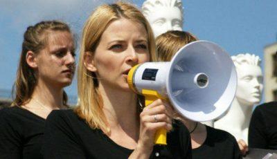 """Mămicile se adună la protest: """"Cu ce să ne hrănim copiii!"""""""