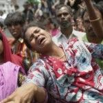 Foto: Peste o mie de morți într-o fabrică Benetton!