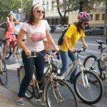 """Foto: Foc la pedale! O nouă ediție """"Fete pe biciclete"""""""