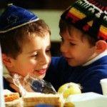 Foto: Cum sunt născuți și educați  copiii evrei ca să fie deștepți
