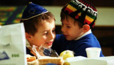 Cum sunt născuți și educați  copiii evrei ca să fie deștepți