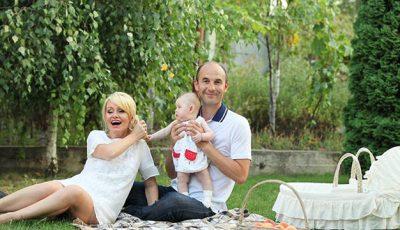 Fiica Lorenei Bogza împlineşte un anişor!
