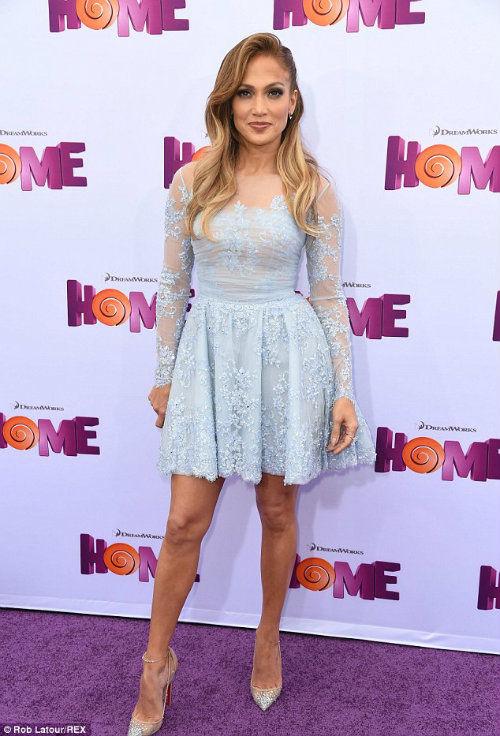 Jennifer-Lopez-pink-satin-dress-for-premiere-of-Home-in-LA-2015-gsa