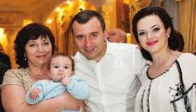 Cu drag de mama: Vasile  Advahov, în numele ambilor frați