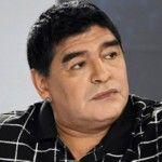 Foto: Diego Maradona, cu buze vopsite și cercei, la o emisiune!