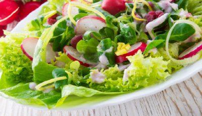 Ingredientul care face salata sănătoasă!
