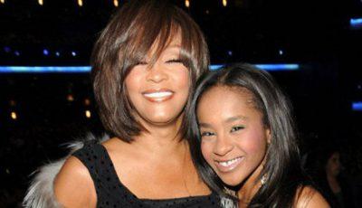 Fiica regretatei Whitney Houston s-a trezit din comă!