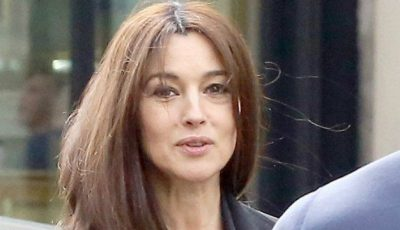 Monica Bellucci, cu sânii la vedere, la 50 de ani!