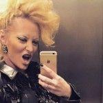 Foto: Delia și-a schimbat radical look-ul!