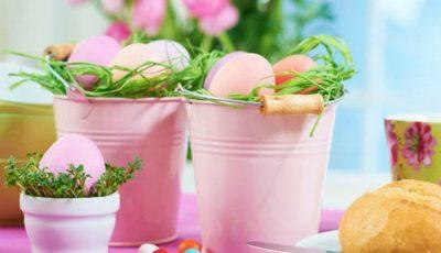 """Idei """"stilate"""" pentru decorarea mesei de Paște!"""