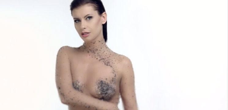 Foto: Natalia Barbu s-a dezgolit de-a binelea în noul videoclip. Ce zice soțul!