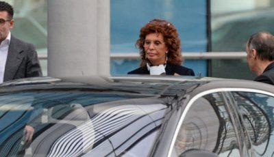 Sophia Loren se plimbă prin Moscova!