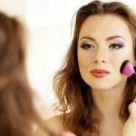 Foto: Ce se întâmplă cu faţa ta dacă foloseşti produse cosmetice expirate