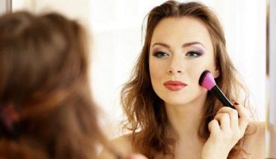 Ce se întâmplă cu faţa ta dacă foloseşti produse cosmetice expirate