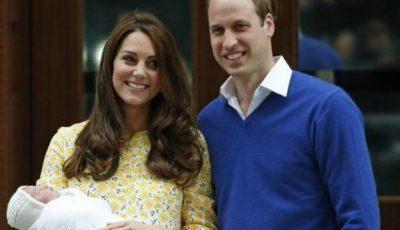 Primele poze cu micuța prințesă, după 12 ore de la naștere