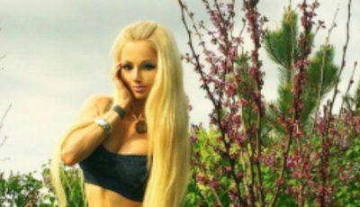 Fata Barbie din Ucraina vrea cât mai mulţi muşchi!