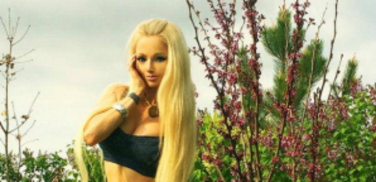 Foto: Fata Barbie din Ucraina vrea cât mai mulţi muşchi!