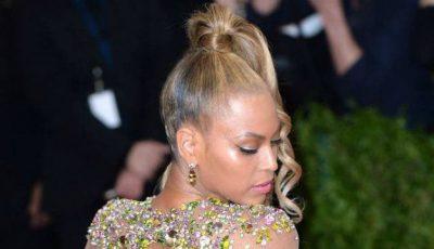 Beyonce,  aproape goală la Gala MET 2015