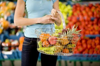 royalty-free-images-woman-shopping-in-supermarket-187