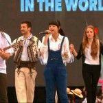 """Foto: """"Cântă cucul, bată-l vina"""",  interpretată de doi chinezi și un ceh!"""