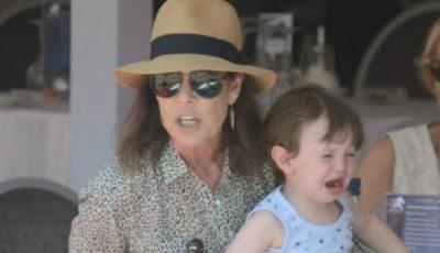 Prinţesa de Monaco, criticată dur pentru comportamentul brutal faţă de nepotul ei