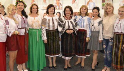 Vedetele autohtone au schimbat rochiile glamuroase pe tradiționala ie!