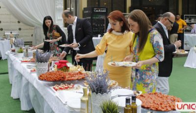 Moldovenii, invitați la o cină în stil italian!