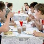 Foto: Avertismentul medicilor: Alimentaţia din grădiniţe şi şcoli duce la obezitate