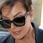 Foto: Mama lui Kim Kardashian cu decolteu îndrăzneţ la 60 de ani!