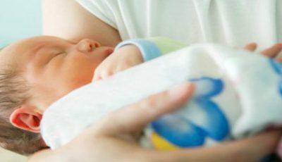 Medicii au ajutat-o să nască un copil sănătos din ţesut ovarian propriu îngheţat în urmă cu 14 ani!