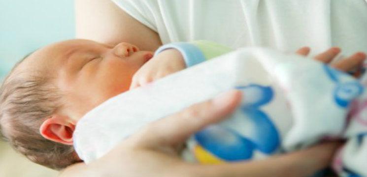 Foto: Medicii au ajutat-o să nască un copil sănătos din ţesut ovarian propriu îngheţat în urmă cu 14 ani!
