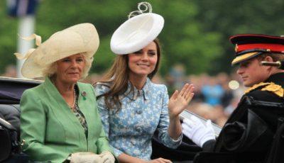 Kate Middleton, prima apariţie publică cu familia ei după ieşirea din maternitate!