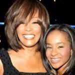 Foto: A murit fiica lui Whitney Houston. Cine a hotărât să o deconecteze de la aparate!