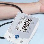 Foto: Cum îţi măsori corect tensiunea arterială acasă