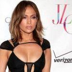 Foto: Ținuta zilei: Rochia sexy a vedetei J.Lo!