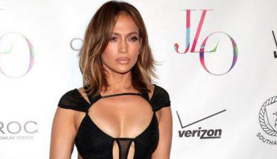 Ținuta zilei: Rochia sexy a vedetei J.Lo!