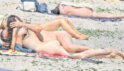 Românii fac sex pe malul mării!