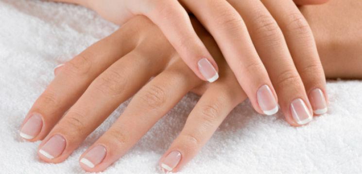 Foto: Ce spune forma unghiilor despre tine!