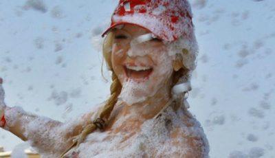 Ludmila Bălan, acoperită doar cu spumă. Cum arată silueta vedetei la 57 de ani!