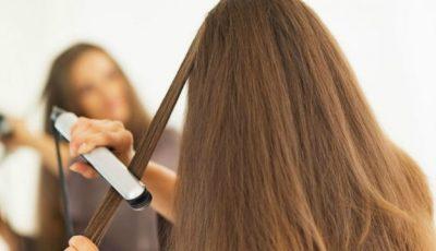 Cum să-ți îndrepți corect părul cu placa!