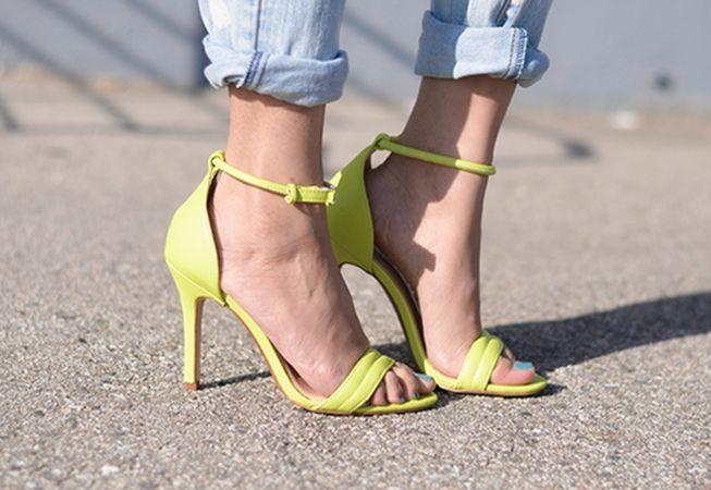 652x450_157097-pregateste-ti-picioarele-pentru-sandale