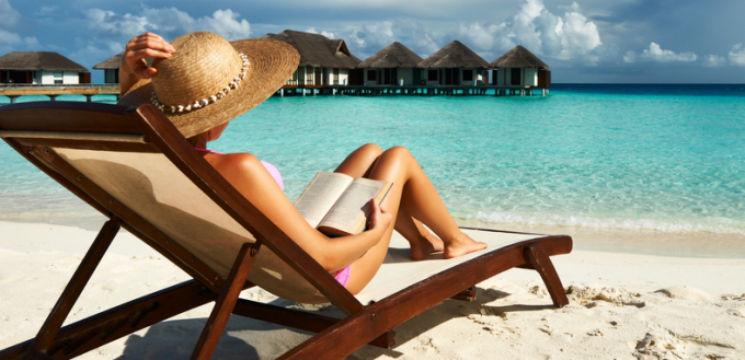 Foto: 10 cărți pe care să le citești vara aceasta!