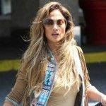 Foto: Ce a purtat Jennifer Lopez în partea de jos ca picioarele ei să arate interminabile!
