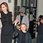 Foto: Chelnerii au rămas șocați. Ce bacşiş au lăsat Angelina Jolie şi Brad Pitt într-un fast food